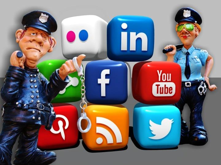 social-media-1679307_1920